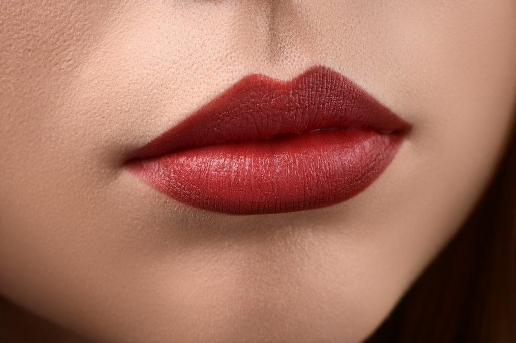 Hidroxipatita Cálcica en labios